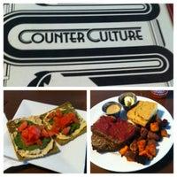 รูปภาพถ่ายที่ Counter Culture โดย Dion T. เมื่อ 2/21/2013