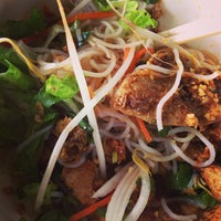 Photo taken at Lệ Ánh's Vietnamese Restaurant by Joey P. on 6/9/2013