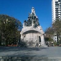 Foto tomada en Plaça de Tetuan por Ivan Z. el 3/18/2013