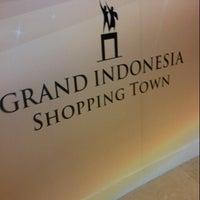 3/1/2013 tarihinde Utami A.ziyaretçi tarafından Grand Indonesia Shopping Town'de çekilen fotoğraf