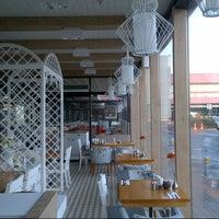 12/28/2012 tarihinde Ridvan Y.ziyaretçi tarafından Lunchbox'de çekilen fotoğraf