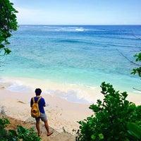 Photo taken at Green Bowl Private Beach by Yunia Tamara Dewi on 4/1/2015