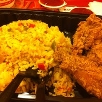 Photo taken at Popeyes Louisiana Kitchen by Christopher L. on 12/15/2012