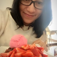 Photo taken at Celsius Cafe & Grill by Rika D. on 7/31/2016