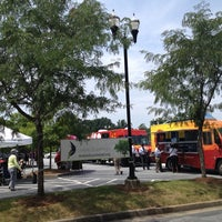 Photo taken at Food Truck Tuesdays In Buckhead by Gray W. on 8/6/2013