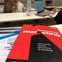 Foto tomada en Escuela Universitaria de Estudios Empresariales (UCM) por Raúl P. el 7/13/2018