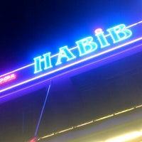 Photo taken at Restoran Habib by ɹɐnuɐ ıɹzə on 4/27/2013