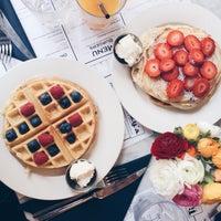 Foto scattata a Tizzy's NY Bar & Grill da Valentina S. il 4/28/2015