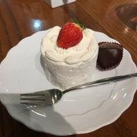 รูปภาพถ่ายที่ Anniversary 青山店 โดย じゅん じ. เมื่อ 1/21/2017