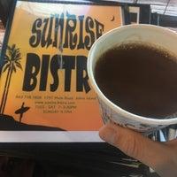 Photo prise au Sunrise Bistro par Sean L. le4/26/2017