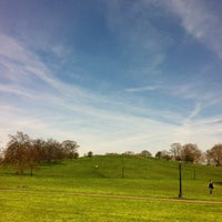 Photo prise au Primrose Hill par Karen C. le4/21/2013
