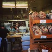 Foto tirada no(a) Tall Grass Bakery por Thomas K. em 8/31/2013