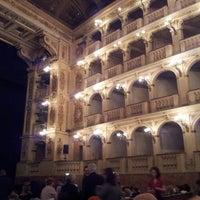 รูปภาพถ่ายที่ Teatro Comunale โดย Antonio B. เมื่อ 4/26/2013