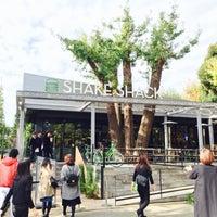 Photo taken at Shake Shack by t_m2 on 11/13/2015