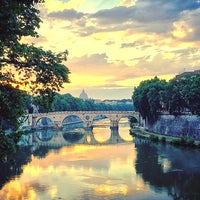Photo taken at Rione XIII - Trastevere by Victoria S ⚅ on 5/24/2017