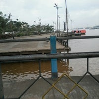 Photo taken at pelampung penyebrangan ferry prima eksekutif by Rani S. on 7/26/2013