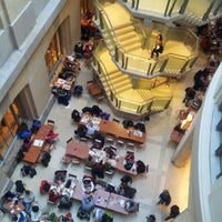 Photo taken at Atrium Cafe - Smithsonian's National Museum of Natural History by Fabio V. on 12/29/2012