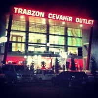 3/15/2013 tarihinde Kaan Ö.ziyaretçi tarafından Cevahir Outlet Alışveriş Merkezi'de çekilen fotoğraf