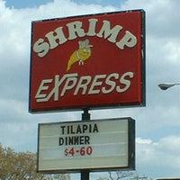Photo taken at Shrimp Express by Robert L. P. on 8/15/2014