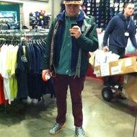 Foto tirada no(a) Mariners Team Store por Buzz em 1/10/2014