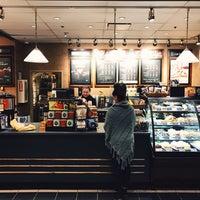 Photo taken at Starbucks by Garrio H. on 12/22/2016