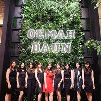 Photo taken at Oemah Daun Cafe & Resto by Yessica H. on 5/13/2017