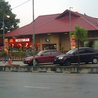 Photo taken at McDonald's by Miste D. on 3/22/2013