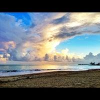 Photo taken at Isla Verde Beach - Balneario Isla Verde (La Playa) by Raul C. on 10/10/2012