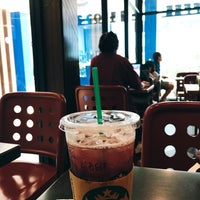 Photo taken at Starbucks by Belt T. on 10/29/2017