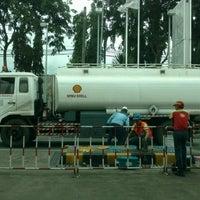 Photo taken at Shell Gas Station TB Simatupang by Satya W. on 12/19/2016