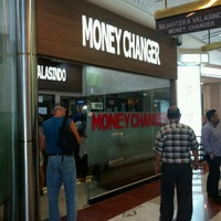 Photo taken at Sejahtera Valasindo - Money Changer by Satya W. on 9/15/2016
