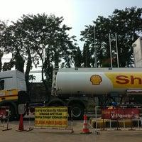 Photo taken at Shell Gas Station TB Simatupang by Satya W. on 7/17/2017