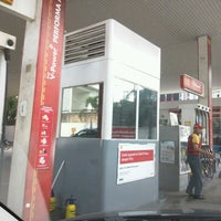 Photo taken at Shell Gas Station TB Simatupang by Satya W. on 8/18/2016