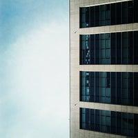 รูปภาพถ่ายที่ Centro Comercial Trindade Domus โดย Tiago O. เมื่อ 9/6/2013