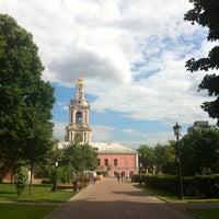 Снимок сделан в Сад им. Баумана пользователем Игорь П. 6/18/2013