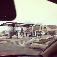 Photo taken at Dunkin Donuts by Cinaed G. on 2/25/2014