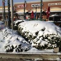 Foto tomada en Allen Premium Outlets por Mohammed A. el 12/26/2012