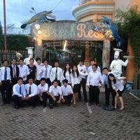 Photo taken at Fresh Resto by Erna L. on 12/5/2012