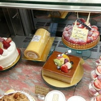 Photo taken at Patisserie NAOKI 深沢店 by GOGOGO! on 3/30/2013
