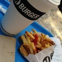 5/29/2013 tarihinde Aّmoُonziyaretçi tarafından M Burger'de çekilen fotoğraf