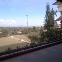 Photo taken at Sinabung Hills Resort Hotel by PappiRazzie on 2/21/2015