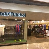 Photo taken at Mundo do Futebol by Antonio M. on 10/23/2016
