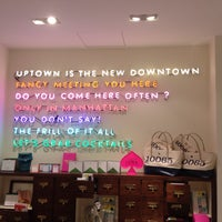 Photo prise au kate spade new york flagship par Amy V. le5/21/2013