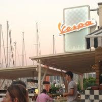 7/19/2013에 Sedat D.님이 Vespa Cafe & Restaurant에서 찍은 사진