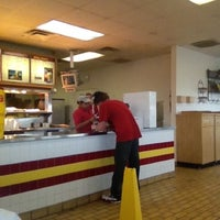 Foto tomada en Chicken Express por Carter P. el 9/17/2012