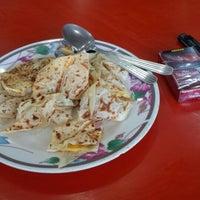 Photo taken at A.Ajmal Restaurant by En I. on 4/30/2016
