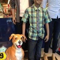 Photo taken at Old Navy by Sergio R. on 8/12/2013