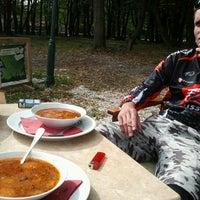 Das Foto wurde bei Bohém Cafe&Grill von Magyar Z. am 9/22/2012 aufgenommen