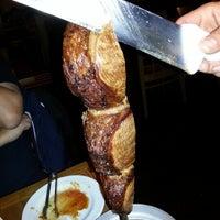 Foto tirada no(a) Copacabana Brazilian Steakhouse por Ron C. em 11/27/2012