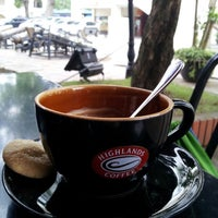 Photo taken at Highlands Coffee by Joshua L. on 4/11/2013